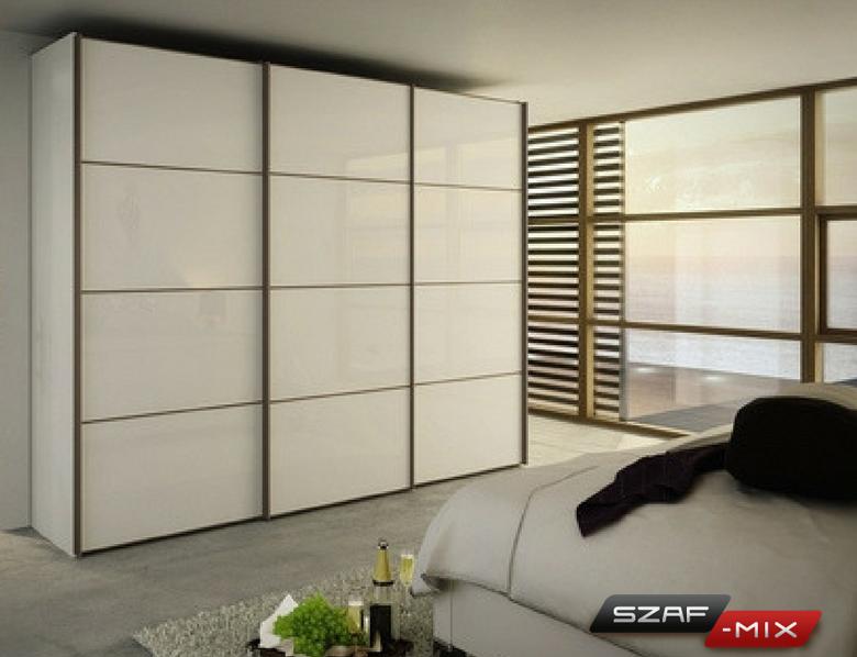 Szafa na wymiar w sypialni w stylu skandynawskim