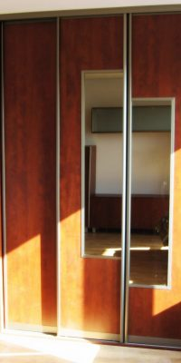 szafa na wymiar płyta z lustrem 33